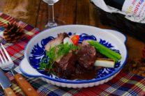 豚肉の赤ワイン煮